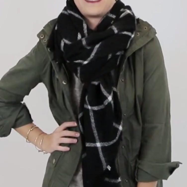 4951c37de68 Jak uvázat čtvercovou zimní šálu DEKA. - Jak uvázat šátek - šátky ...