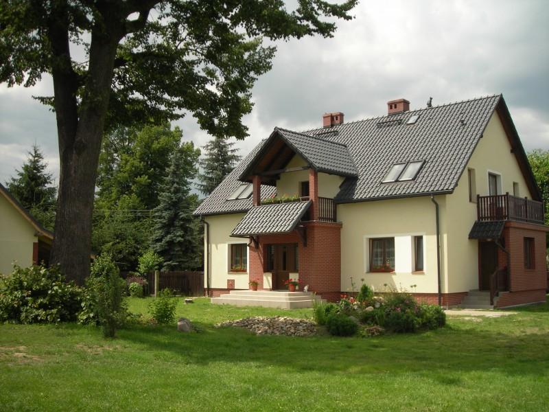 """""""Złoty Potok"""" to obiekt o wysokim standardzie, położony w niewielkiej miejscowości o nazwie Łąka Prudnicka."""