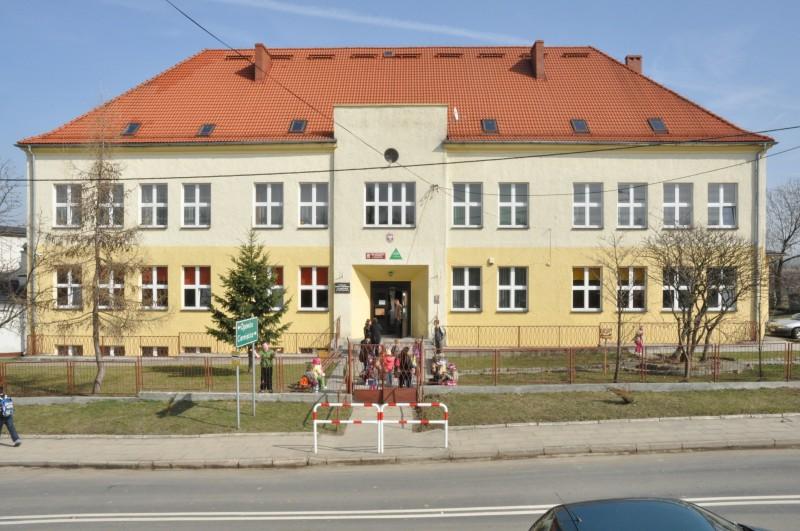 Zespół Szkół Pietrowice - siedziba Schroniska