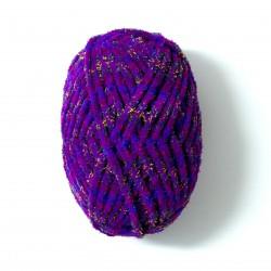 přízi na pletení v rukou 1384 (1)