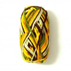 přízi na pletení v rukou 1417 (1)