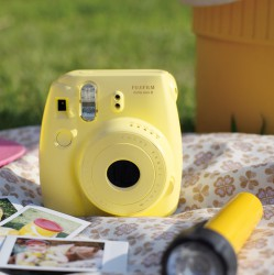 instatní fotoaparát instax fujifilm žlutý instax mini 8 s yellow (6)