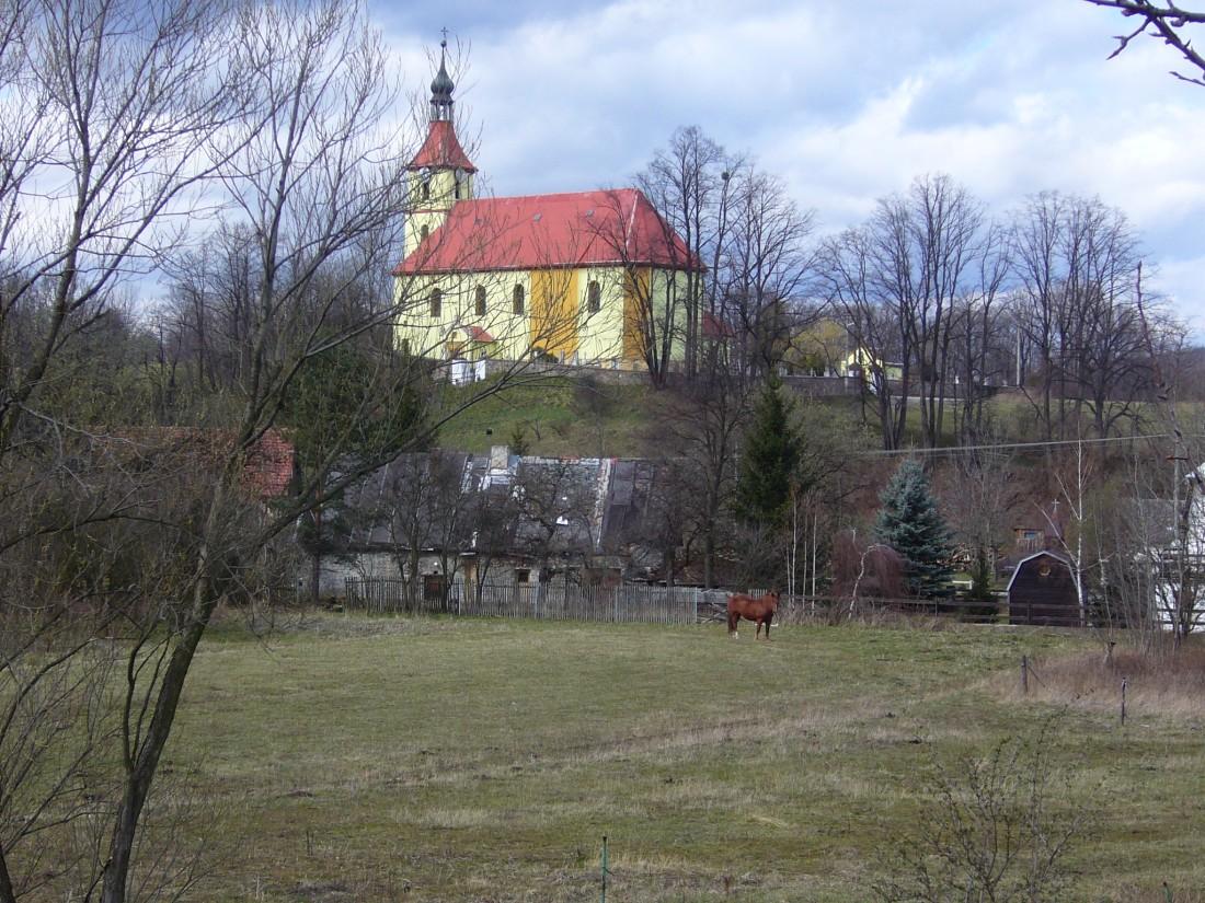 kostel v Pitárné