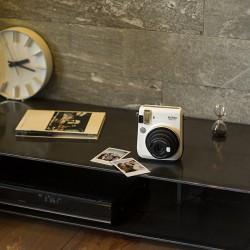 instatní fotoaparát instax fujifilm bílý instax mini 70 moon white  (4)